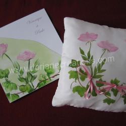 Coussin pour alliances en soie motif roses roses et lierre