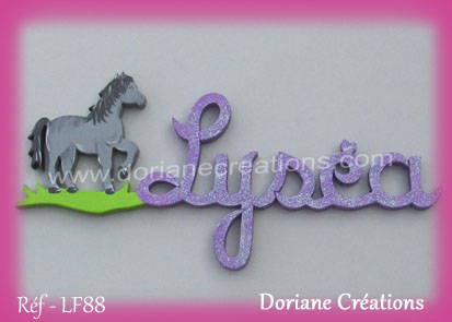 Prénom-bois-Lyséa-cheval