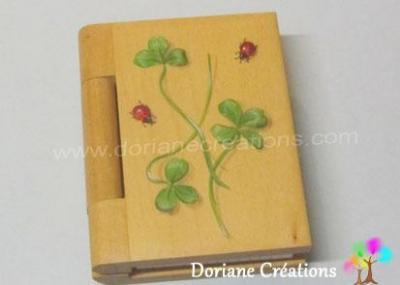 07 - bloc-note en bois, décor coccinelles