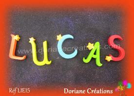Lettres bois etoiles prenom lucas