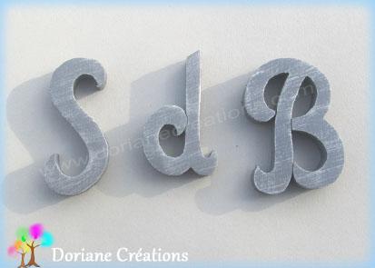 Lettres initiales en bois salle de bain