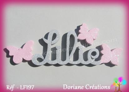 Lettres prenom bois lilie papillons unis