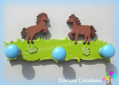 Porte manteau en bois avec 2 chevaux