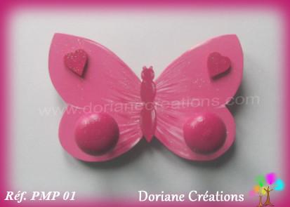 Portemanteau bois papillon rose 01