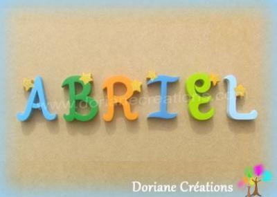 Lettres en bois étoiles ABRIEL