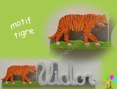 Prenom bois avec tigre