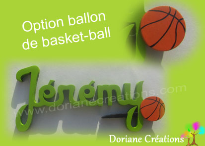 Prenom en bois avec ballon de basket