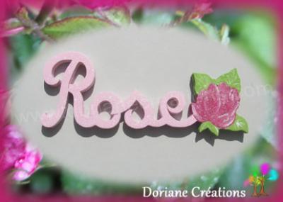 04 letttres - Prénom en bois avec rose