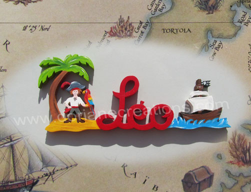 prénom en bois pirate au perroquet et bateau pirate