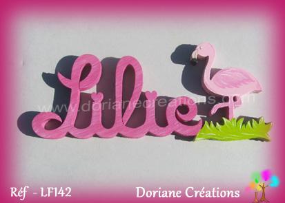Prenom en bois lilie avec flamant rose