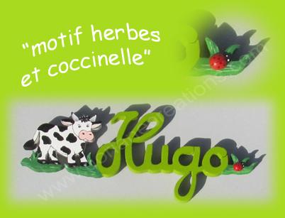Prenom en bois motif herbe et coccinelle