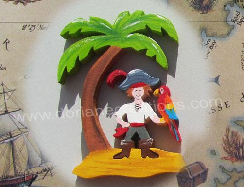 Prenom en bois motif pirate avec perroquet