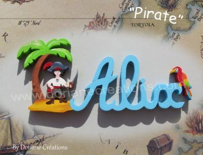 04 lettres – prénom en bois pirate et perroquet