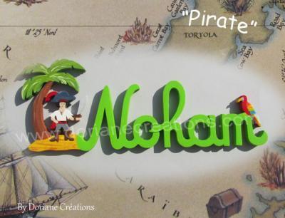 05 lettres – prénom en bois pirate et perroquet