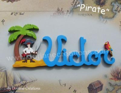 06 lettres – prénom en bois pirate et perroquet