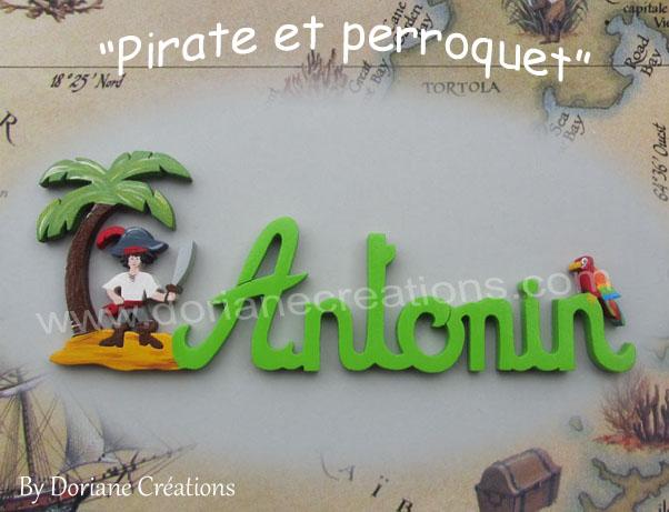 Prenom en bois pirate et perroquet 7l