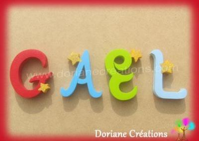Lettres en bois étoiles GAEL