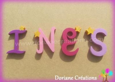 Lettres en bois étoiles INES