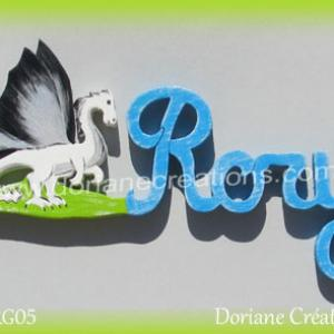 Prenom lettres bois rory avec dragon