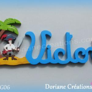 Prenom lettres bois victor pirate perroquet