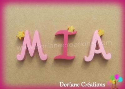 Lettres en bois étoiles MIA